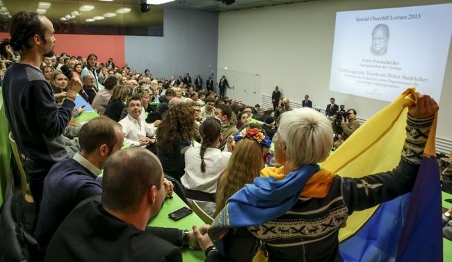 Швейцарский визит Порошенко в кривых зеркалах СМИ