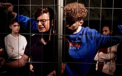 «ДНК»: театр «Synthese» рассказал о травле среди подростков