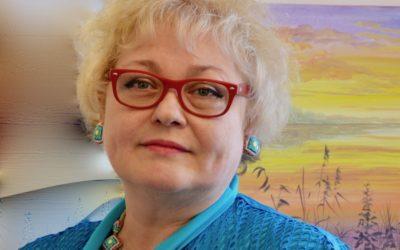 """Евгения Первушина создает куклы, пишет картины, преподает изобразительное искусство в русской школе """"Детский городок"""" в Цюрихе. (schwingen.net)"""